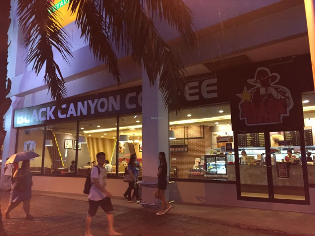 """Photo of Black Canyon Coffee  by <a href=""""/members/profile/Jrosworld"""">Jrosworld</a> <br/>From outside <br/> August 28, 2015  - <a href='/contact/abuse/image/60563/115493'>Report</a>"""