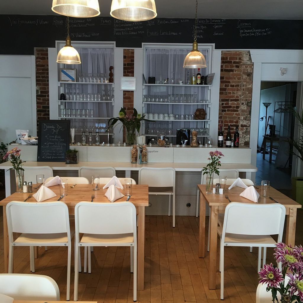 """Photo of Le Soixante 5  by <a href=""""/members/profile/Bree%20Maj"""">Bree Maj</a> <br/>Beautiful dining room <br/> May 22, 2016  - <a href='/contact/abuse/image/60739/150259'>Report</a>"""