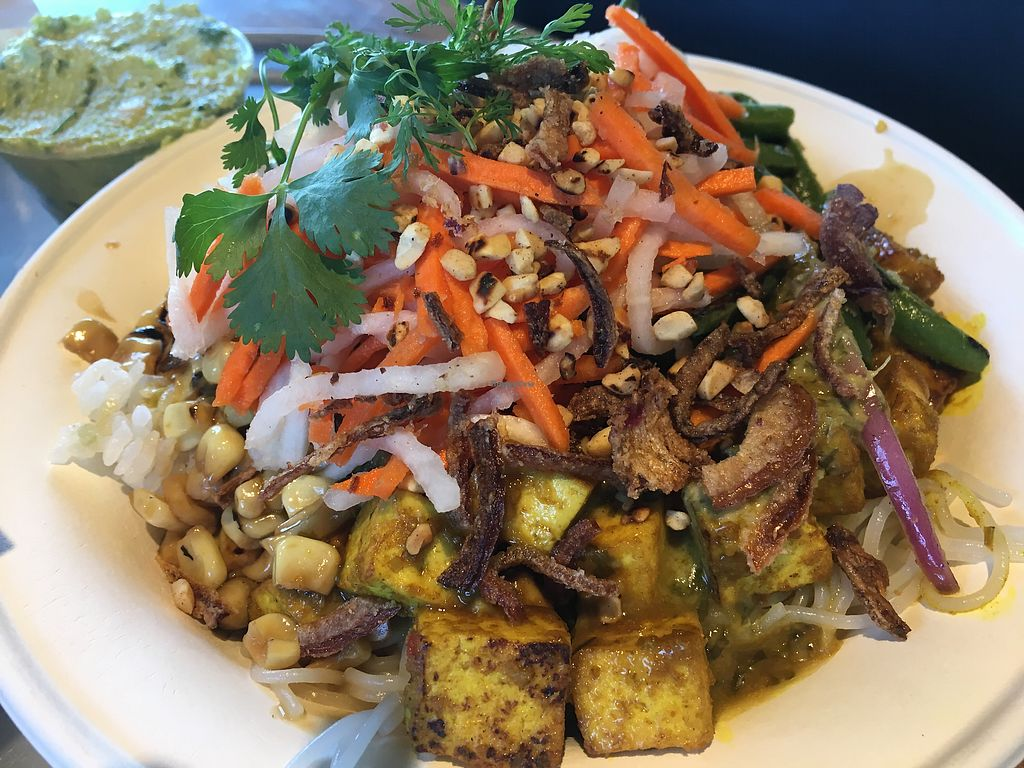 """Photo of Zao Asian Cafe  by <a href=""""/members/profile/JulieCrump"""">JulieCrump</a> <br/>rice/noodle bowl with tofu and green curry <br/> July 23, 2017  - <a href='/contact/abuse/image/60773/283485'>Report</a>"""