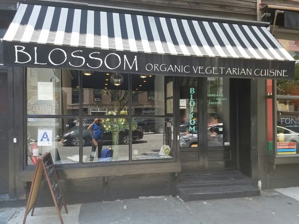 """Photo of Blossom Restaurant  by <a href=""""/members/profile/kenvegan"""">kenvegan</a> <br/>outside <br/> June 29, 2016  - <a href='/contact/abuse/image/6097/156864'>Report</a>"""