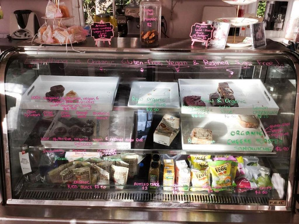 "Photo of CLOSED: Holistic Mamma  by <a href=""/members/profile/vegan%20louise"">vegan louise</a> <br/>vegan treats at Holistic Mamma <br/> July 23, 2015  - <a href='/contact/abuse/image/61011/110632'>Report</a>"