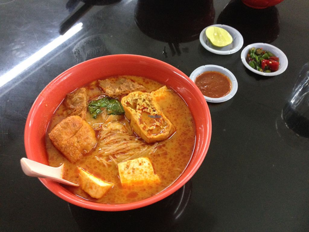 """Photo of Blue Boy Vegetarian Food Centre Stall  by <a href=""""/members/profile/Tofulicious"""">Tofulicious</a> <br/>Curry Mee <br/> February 16, 2017  - <a href='/contact/abuse/image/6111/227177'>Report</a>"""