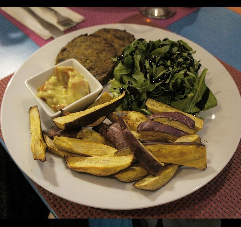 """Photo of CLOSED: Didi Cafe  by <a href=""""/members/profile/MajaTh%C3%B8tMortensen"""">MajaThøtMortensen</a> <br/>Vegetable burger with sweet potato fries  <br/> October 16, 2016  - <a href='/contact/abuse/image/61120/182467'>Report</a>"""