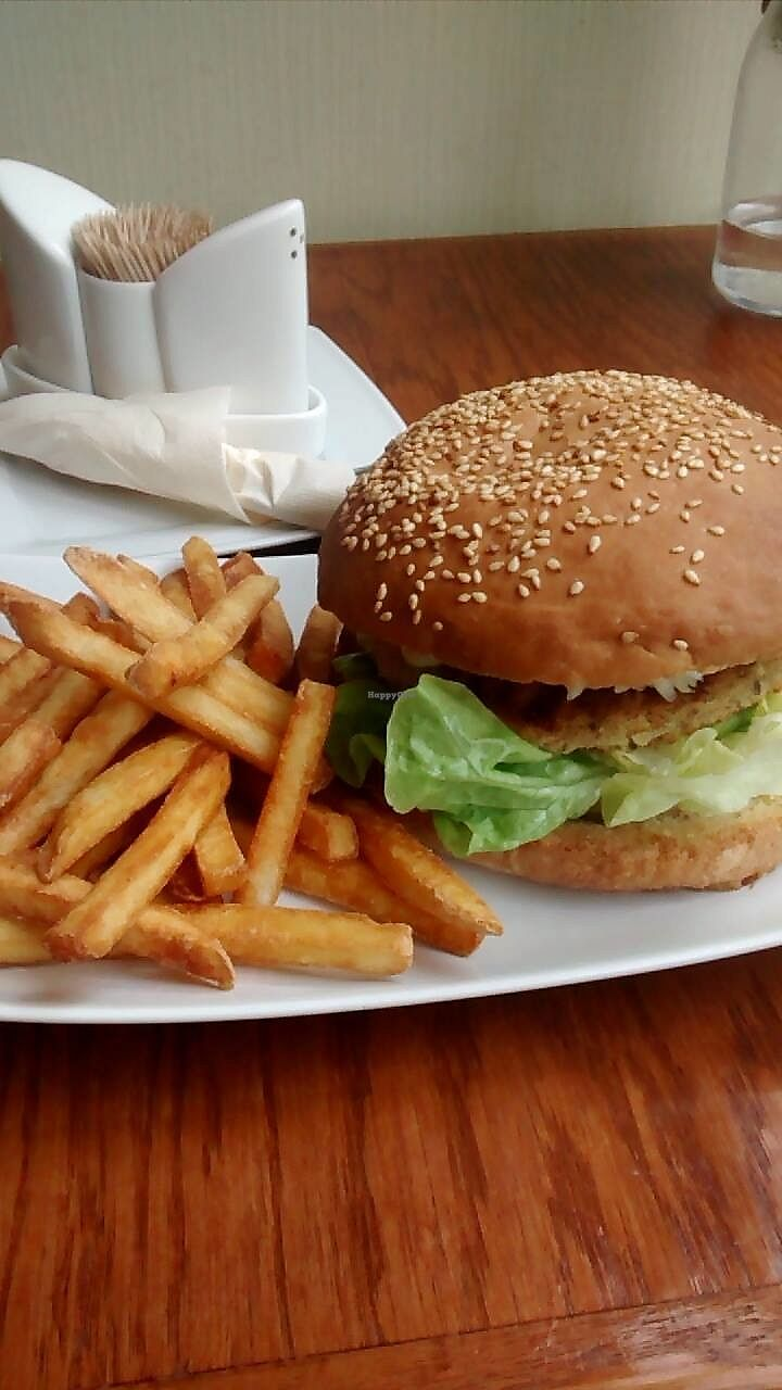 """Photo of Pizzeria Ambar  by <a href=""""/members/profile/julaamy"""">julaamy</a> <br/>Vegan lentil burger with fries <br/> July 6, 2017  - <a href='/contact/abuse/image/61513/277133'>Report</a>"""