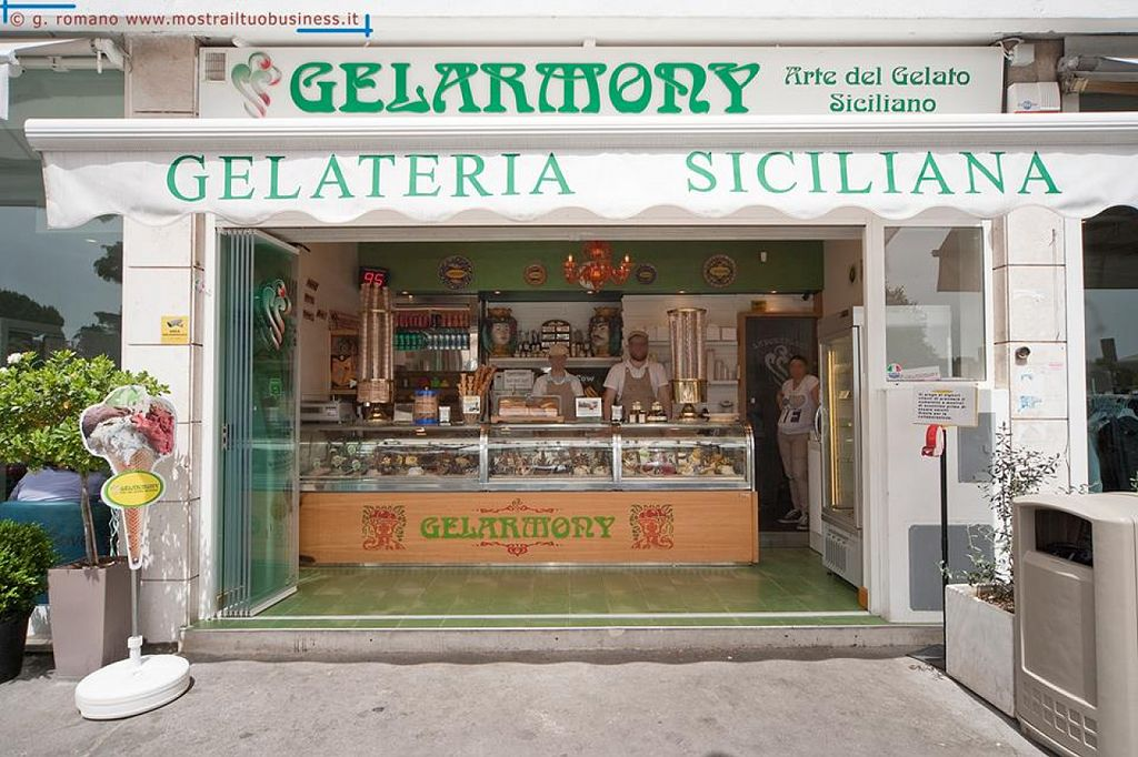 "Photo of Gelarmony - Viale America  by <a href=""/members/profile/veg-geko"">veg-geko</a> <br/>Gelarmony - Viale America <br/> August 4, 2015  - <a href='/contact/abuse/image/61569/112284'>Report</a>"