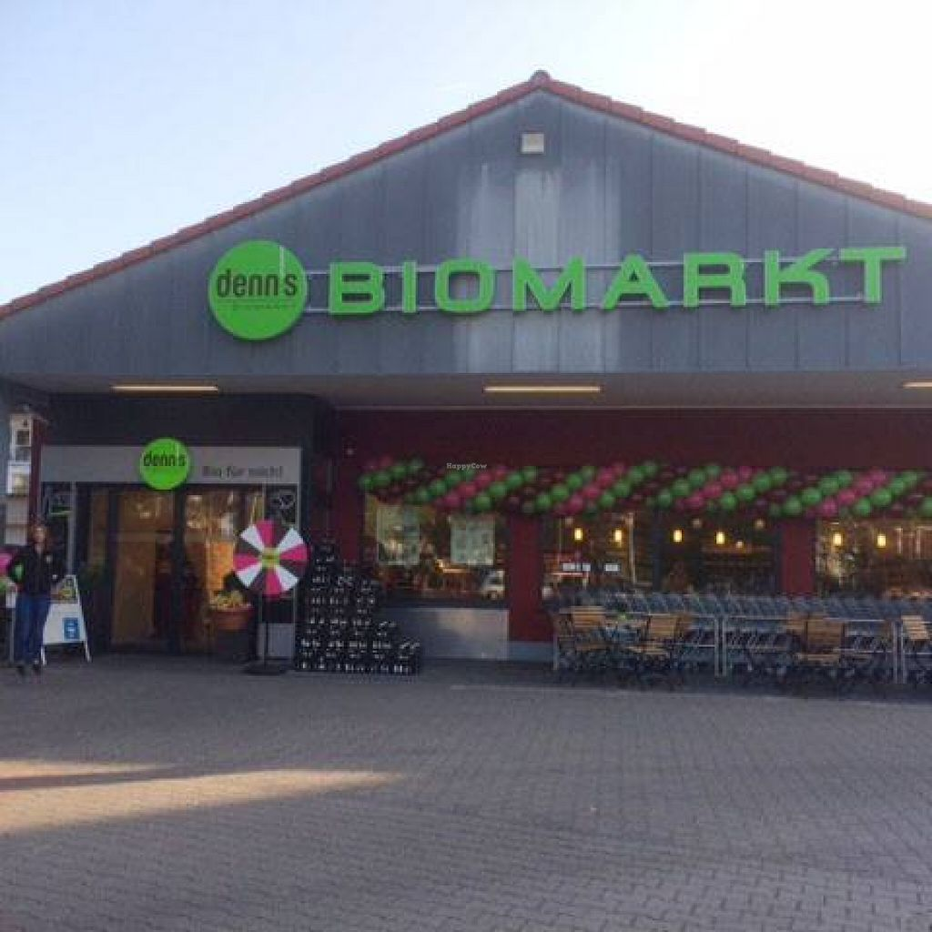 """Photo of denn's Biomarkt  by <a href=""""/members/profile/community"""">community</a> <br/>denn's Biomarkt  <br/> August 9, 2015  - <a href='/contact/abuse/image/61573/112954'>Report</a>"""