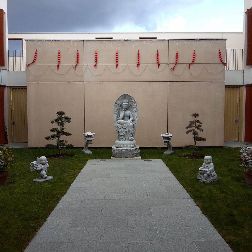 """Photo of Shiang Yun  by <a href=""""/members/profile/thenaturalfusions"""">thenaturalfusions</a> <br/>meditation place, outside  <br/> March 7, 2016  - <a href='/contact/abuse/image/61737/139079'>Report</a>"""