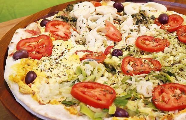 "Photo of Bella Mooca Pizzaria  by <a href=""/members/profile/Sylvane"">Sylvane</a> <br/>vegan pizza <br/> June 27, 2017  - <a href='/contact/abuse/image/61749/274000'>Report</a>"