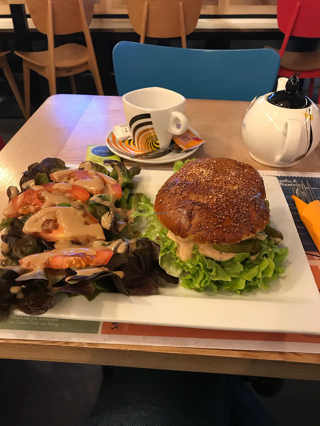 """Photo of Le Tonneau  by <a href=""""/members/profile/doctorjay"""">doctorjay</a> <br/>Veggie burger with salad <br/> February 20, 2018  - <a href='/contact/abuse/image/61830/361740'>Report</a>"""