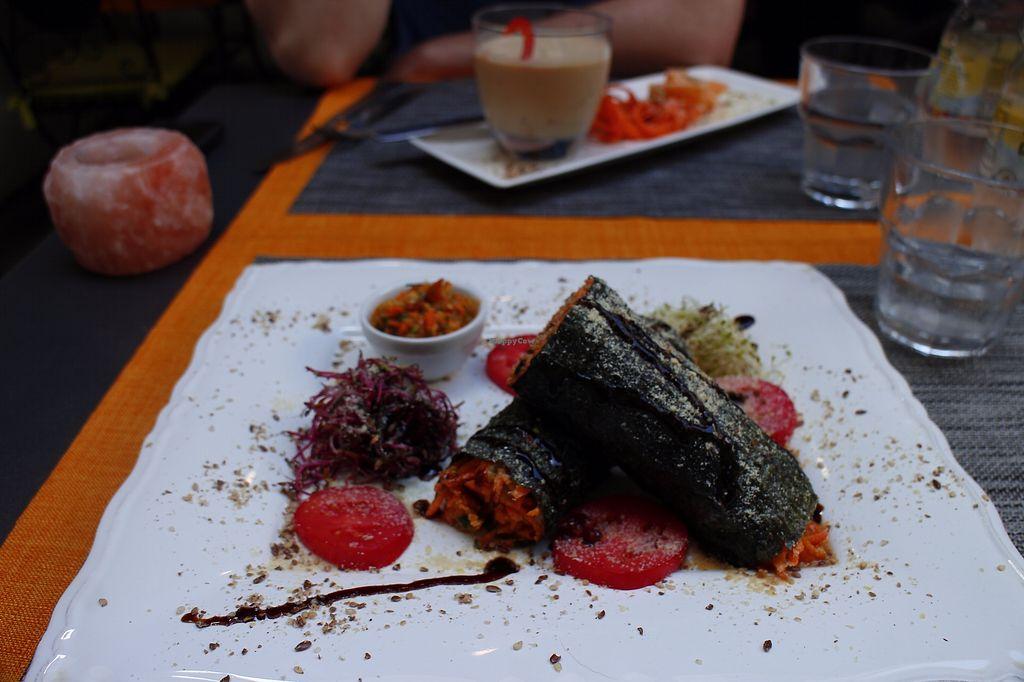 "Photo of La Libellula Ristorante Bistrot  by <a href=""/members/profile/hannahmarienichols"">hannahmarienichols</a> <br/>Raw sushi roll made with carrots <br/> July 29, 2017  - <a href='/contact/abuse/image/61946/286255'>Report</a>"