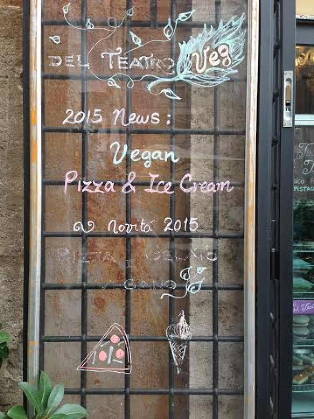 "Photo of La Pizza del Teatro  by <a href=""/members/profile/Lesley%20Anne%20Jeavons"">Lesley Anne Jeavons</a> <br/>advertising vegan options <br/> August 14, 2015  - <a href='/contact/abuse/image/62008/113583'>Report</a>"