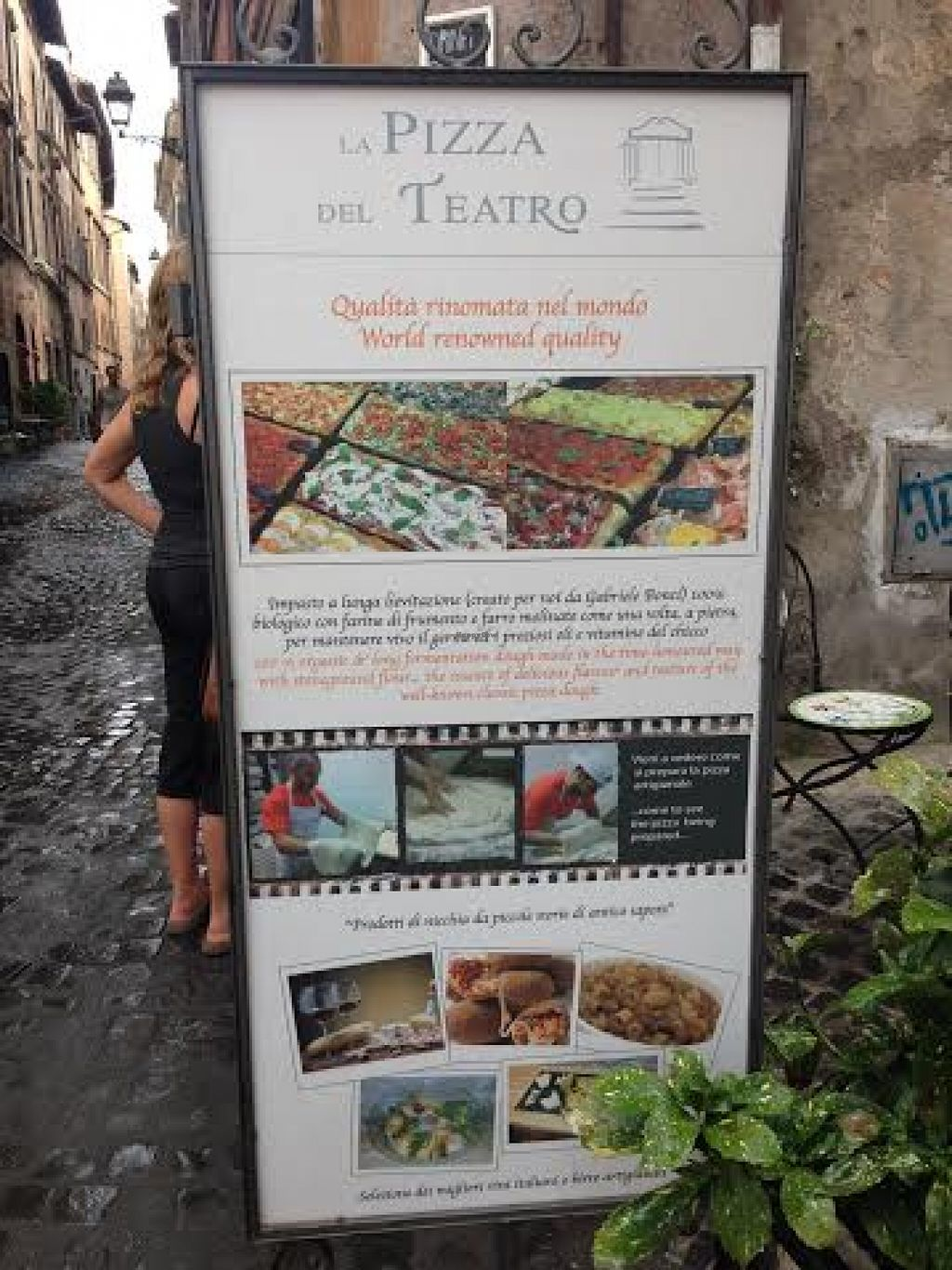"Photo of La Pizza del Teatro  by <a href=""/members/profile/Lesley%20Anne%20Jeavons"">Lesley Anne Jeavons</a> <br/>la Pizza del Teatra sign <br/> August 14, 2015  - <a href='/contact/abuse/image/62008/113585'>Report</a>"