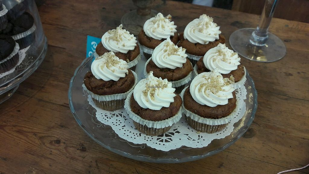 """Photo of La Besneta  by <a href=""""/members/profile/Bintje"""">Bintje</a> <br/>cupcakes carrot cake <br/> May 16, 2018  - <a href='/contact/abuse/image/62257/400556'>Report</a>"""