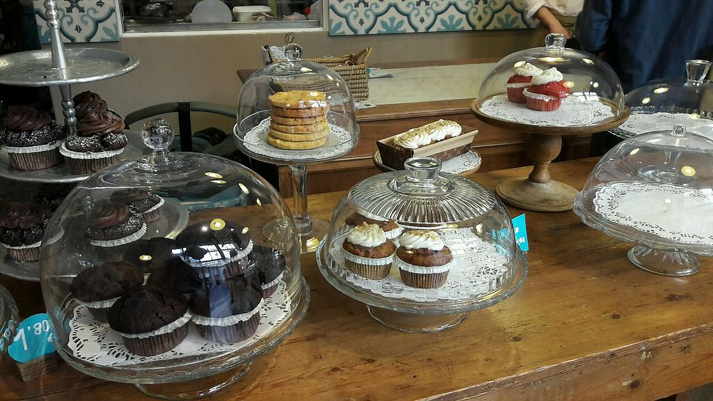 """Photo of La Besneta  by <a href=""""/members/profile/Bintje"""">Bintje</a> <br/>Delicious cupcakes  <br/> May 16, 2018  - <a href='/contact/abuse/image/62257/400560'>Report</a>"""