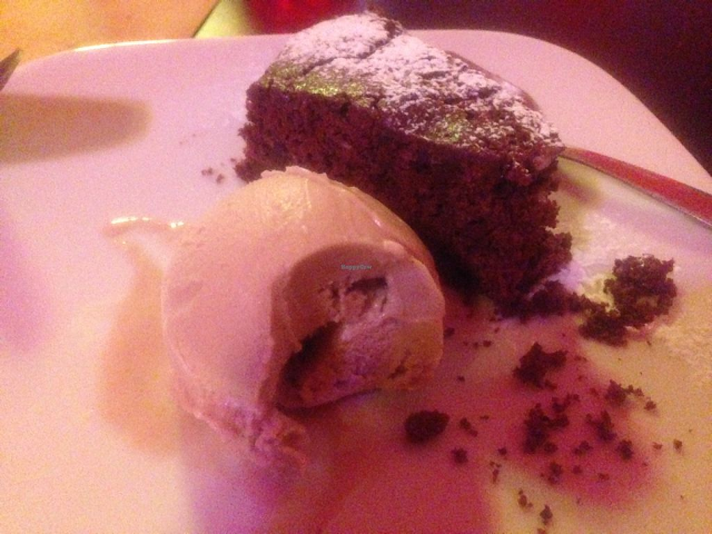 "Photo of CLOSED: LuNa Vegana  by <a href=""/members/profile/Duo"">Duo</a> <br/>Chocolate cake and pistachio ice cream <br/> July 17, 2016  - <a href='/contact/abuse/image/62432/160503'>Report</a>"