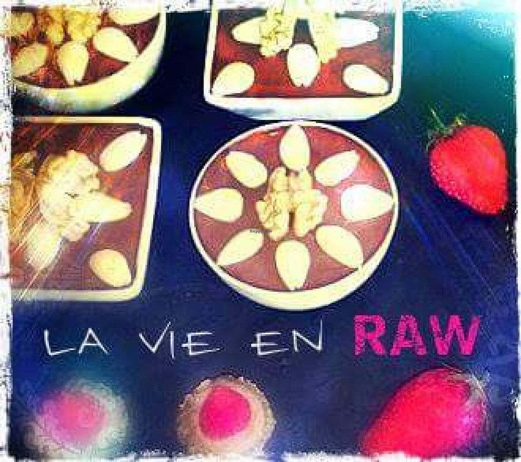 """Photo of REMOVED: La Vie en Raw - Pop-up  by <a href=""""/members/profile/ThierryAmorin"""">ThierryAmorin</a> <br/>La vie en raw <br/> August 28, 2015  - <a href='/contact/abuse/image/62581/115570'>Report</a>"""