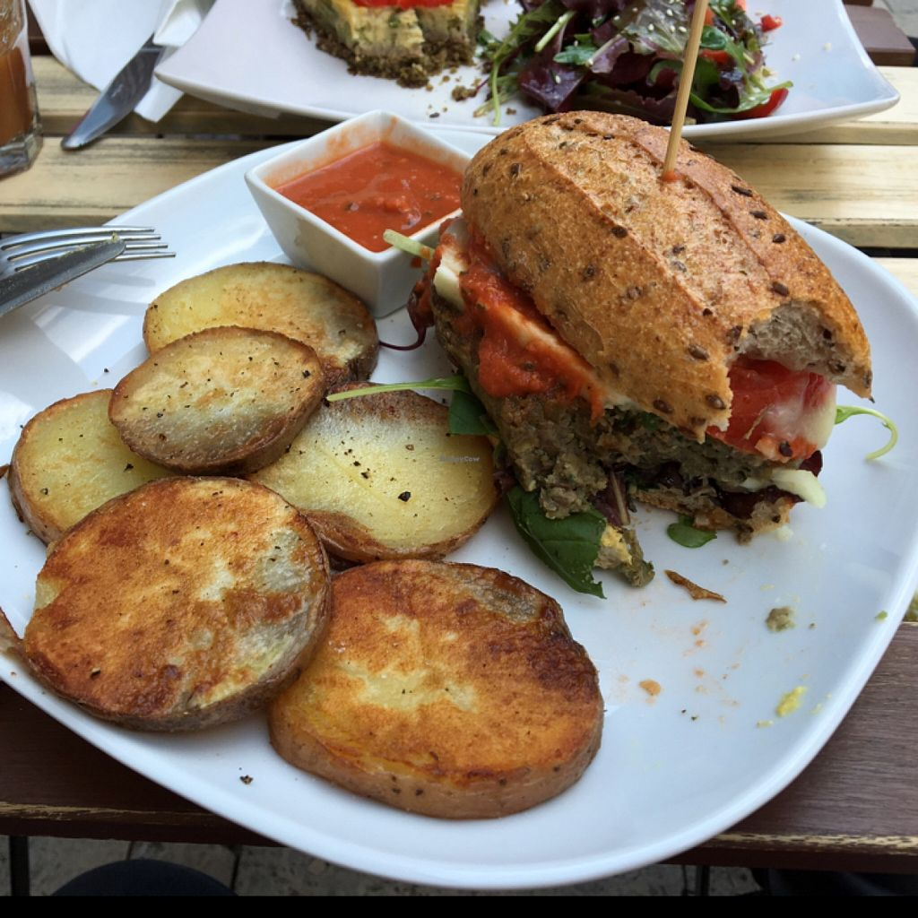 "Photo of CLOSED: CsendesM Vegan Bistro  by <a href=""/members/profile/vajkri"">vajkri</a> <br/>Vegan Cheeseburger with fried potatoes and homemade ketchup  <br/> May 4, 2016  - <a href='/contact/abuse/image/62674/147459'>Report</a>"