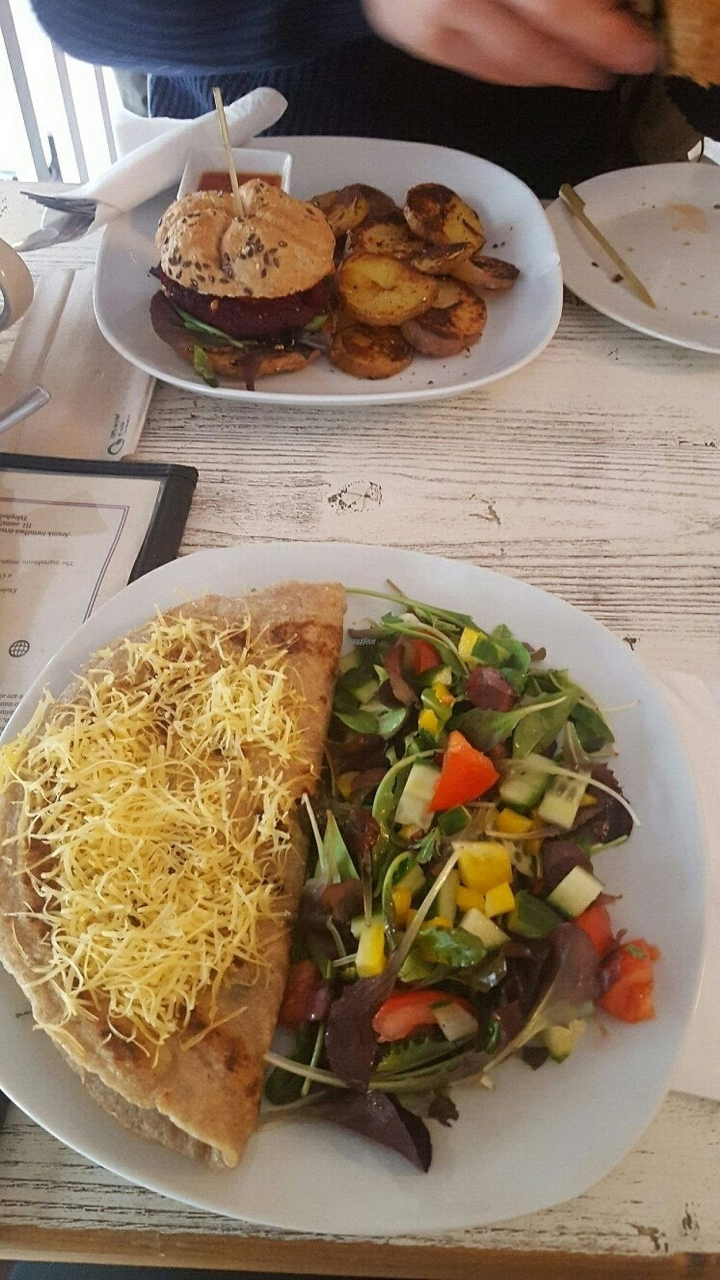 "Photo of CLOSED: CsendesM Vegan Bistro  by <a href=""/members/profile/RabiaMohammadi"">RabiaMohammadi</a> <br/>Burger with baked patatoes and buckwheat crêpe with spinach and cheese with salad   <br/> January 3, 2017  - <a href='/contact/abuse/image/62674/207409'>Report</a>"