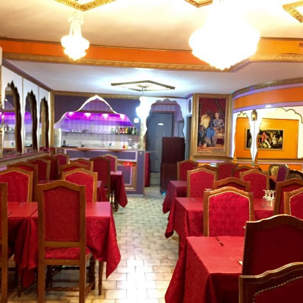 """Photo of Le Taj Mahal  by <a href=""""/members/profile/community"""">community</a> <br/>Le Taj Mahal <br/> September 11, 2015  - <a href='/contact/abuse/image/62806/117331'>Report</a>"""