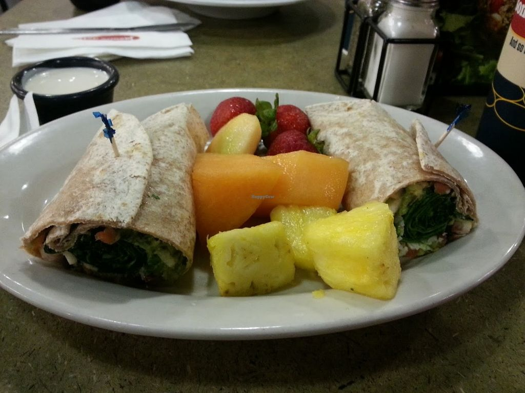 "Photo of Jason's Deli  by <a href=""/members/profile/CTerrwyn"">CTerrwyn</a> <br/>Spinach veggie wrap with fruit <br/> September 3, 2015  - <a href='/contact/abuse/image/62813/116304'>Report</a>"