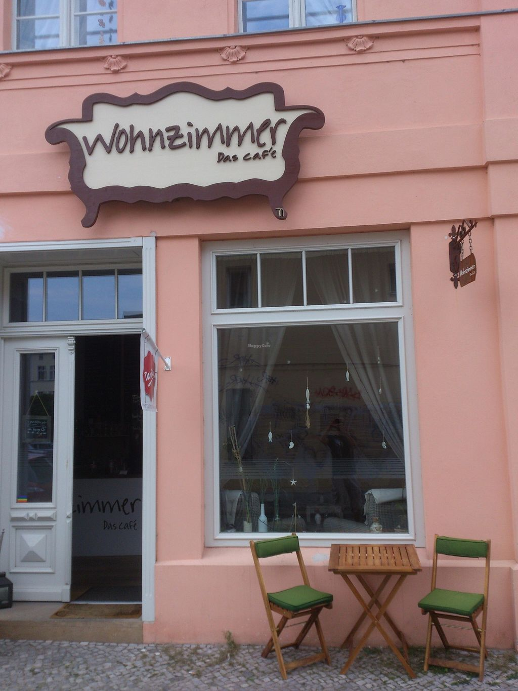 """Photo of Wohnzimmer  by <a href=""""/members/profile/Tank242"""">Tank242</a> <br/>storefront Wohnzimmer <br/> September 8, 2015  - <a href='/contact/abuse/image/62864/116870'>Report</a>"""
