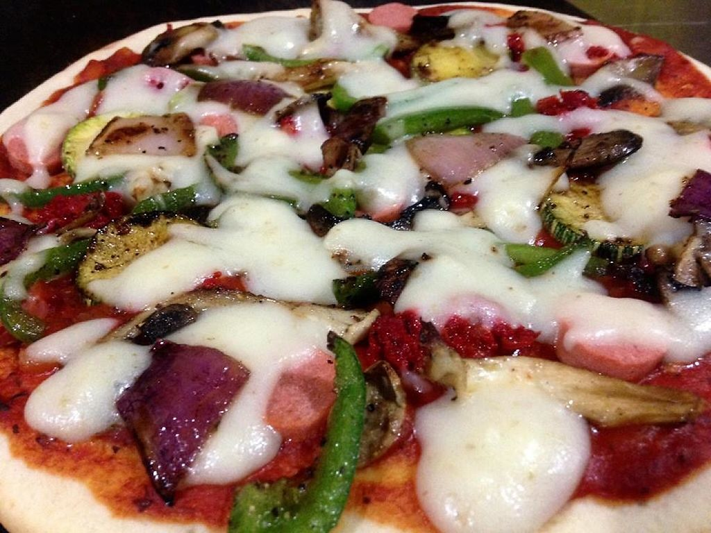 """Photo of La Ruta Vegana  by <a href=""""/members/profile/Oli"""">Oli</a> <br/>Sausage and vegetable pizza <br/> March 23, 2017  - <a href='/contact/abuse/image/62952/239980'>Report</a>"""