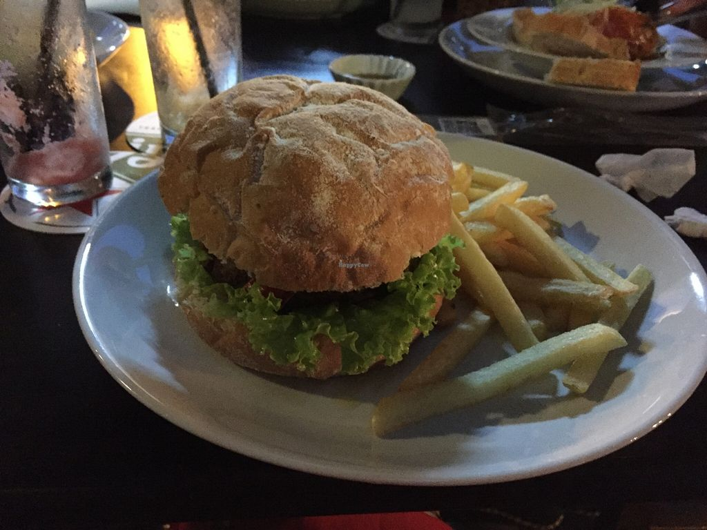 """Photo of Kingsford Pub  by <a href=""""/members/profile/Paolla"""">Paolla</a> <br/>Vegan burger <br/> January 10, 2016  - <a href='/contact/abuse/image/63102/131944'>Report</a>"""