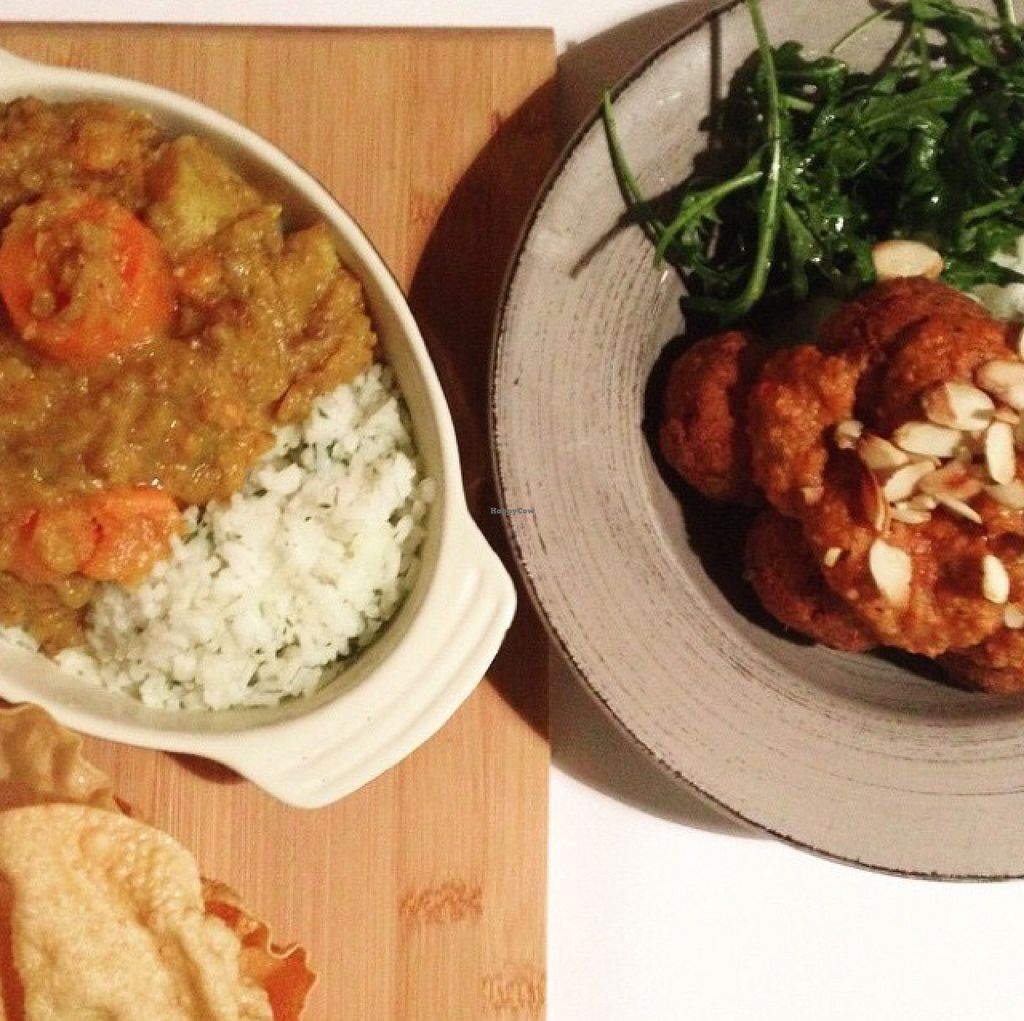 """Photo of CLOSED: Patten's on Bridge  by <a href=""""/members/profile/ErinSullivan"""">ErinSullivan</a> <br/>vegan dinner options: curry and chickpea balls with delicious sauce and salad  <br/> September 9, 2015  - <a href='/contact/abuse/image/63144/117044'>Report</a>"""