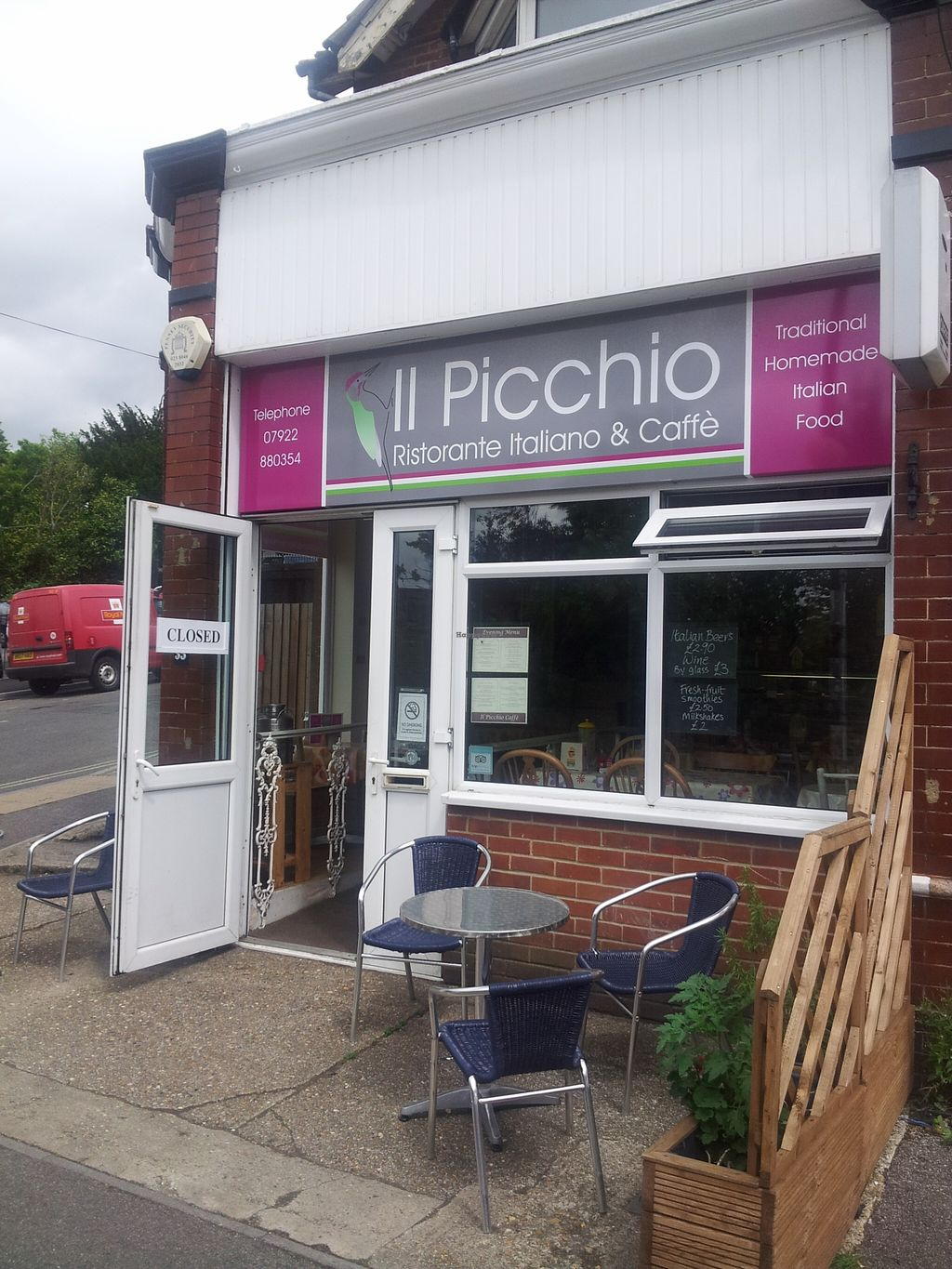 """Photo of Il Picchio Cafe  by <a href=""""/members/profile/totallyclips"""">totallyclips</a> <br/>A great little Itlian and Continental eatry and chill out place in Southampton <br/> September 10, 2015  - <a href='/contact/abuse/image/63215/117287'>Report</a>"""