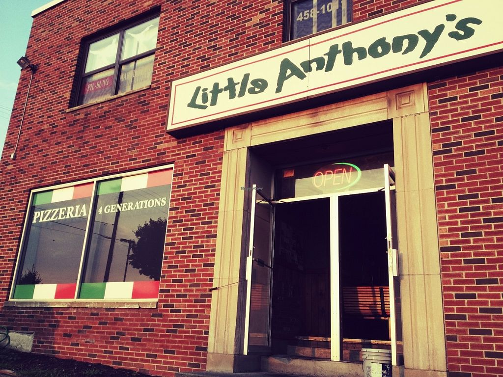 "Photo of Little Anthony's  by <a href=""/members/profile/HerbivoreJer"">HerbivoreJer</a> <br/>Little Anthony's Albany, NY <br/> June 4, 2016  - <a href='/contact/abuse/image/6327/152330'>Report</a>"