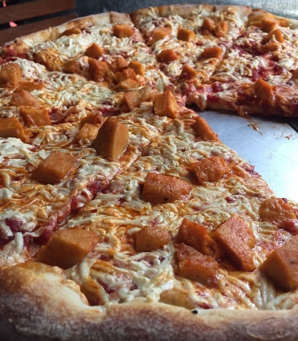 "Photo of Little Anthony's  by <a href=""/members/profile/HerbivoreJer"">HerbivoreJer</a> <br/>Pizza with vegan cheese and vegan buffalo chicken.  <br/> June 20, 2016  - <a href='/contact/abuse/image/6327/209331'>Report</a>"