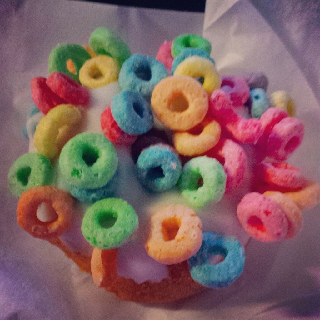 "Photo of Zombee Donuts & Bakeshop  by <a href=""/members/profile/aliritto"">aliritto</a> <br/>Vegan cake donut, vanilla frosting, Fruit Loops <br/> February 21, 2016  - <a href='/contact/abuse/image/63295/137211'>Report</a>"
