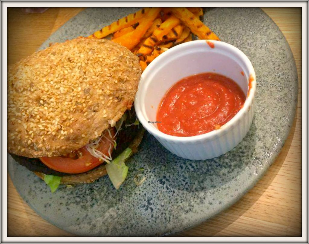 "Photo of 42 Degrees Raw  by <a href=""/members/profile/GypsyGreenstone"">GypsyGreenstone</a> <br/>my amazing burger and sweet potato fries! <br/> December 5, 2015  - <a href='/contact/abuse/image/63331/127249'>Report</a>"