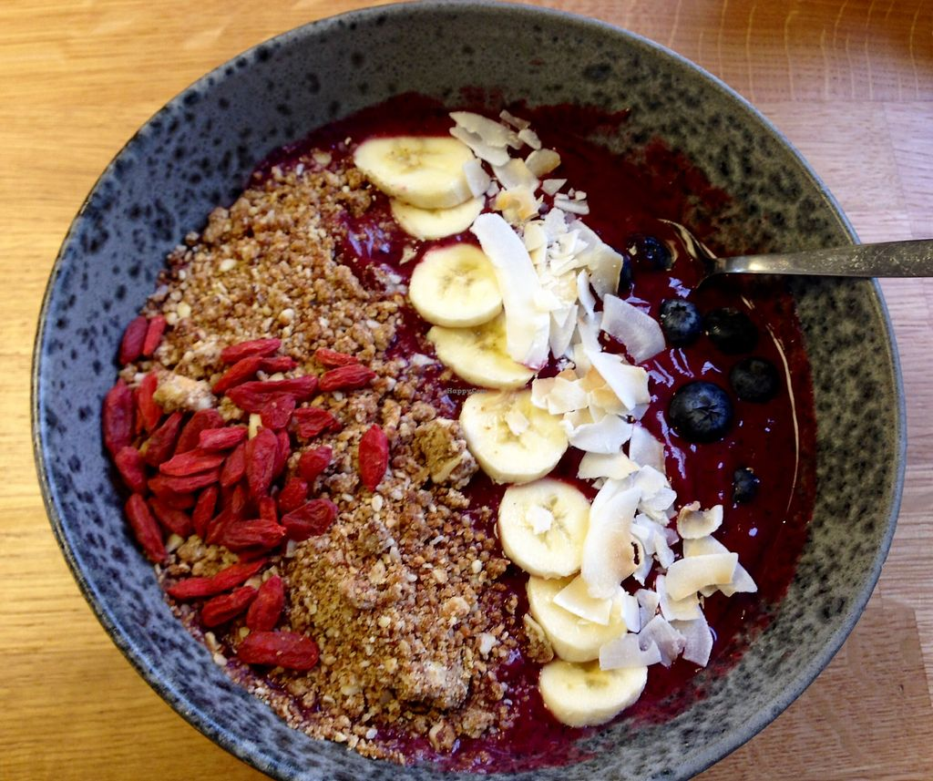 "Photo of 42 Degrees Raw  by <a href=""/members/profile/IronVegan"">IronVegan</a> <br/>Delish Açaí Bowl <br/> February 2, 2018  - <a href='/contact/abuse/image/63331/354063'>Report</a>"