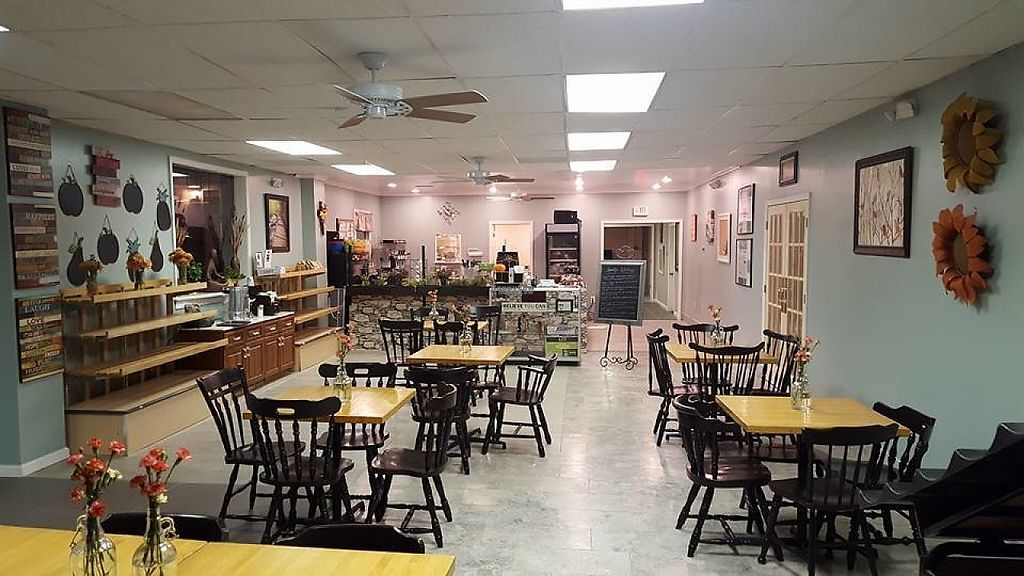 """Photo of Chava Juice Bar  by <a href=""""/members/profile/community"""">community</a> <br/>Inside Chava Juice Bar <br/> February 21, 2017  - <a href='/contact/abuse/image/63340/228613'>Report</a>"""