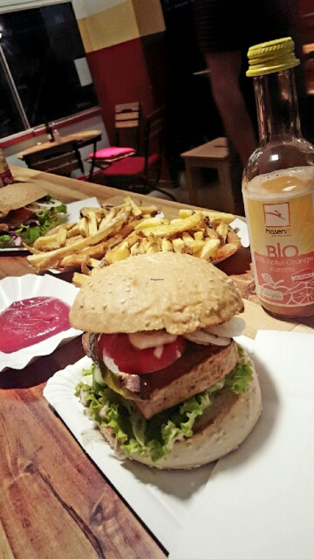 """Photo of BioBurgerMeister  by <a href=""""/members/profile/Nebula"""">Nebula</a> <br/>Delicious & filling <br/> May 31, 2016  - <a href='/contact/abuse/image/63357/151560'>Report</a>"""