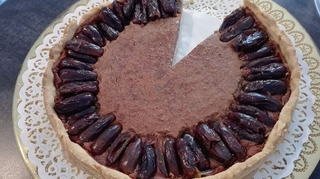 "Photo of Il Mijo  by <a href=""/members/profile/Vera%20Peres"">Vera Peres</a> <br/>Vegan and gluten-free date pie <br/> May 23, 2016  - <a href='/contact/abuse/image/63373/150505'>Report</a>"