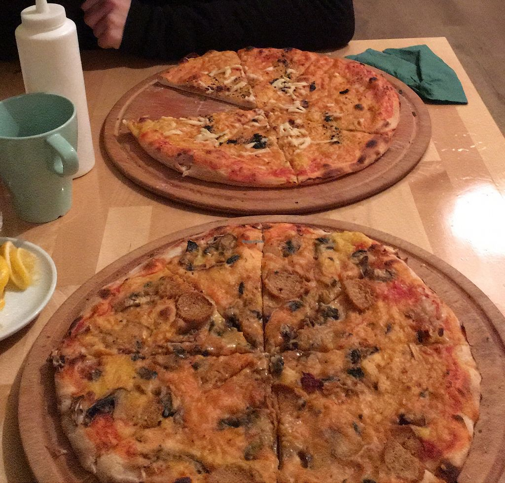 "Photo of CLOSED: Mix of Figs  by <a href=""/members/profile/Duo"">Duo</a> <br/>4 cheese pizza and capricciosa <br/> November 10, 2017  - <a href='/contact/abuse/image/63395/323876'>Report</a>"