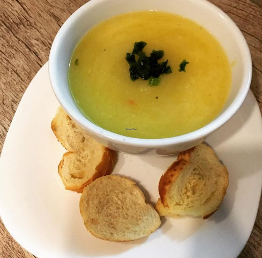 "Photo of Emporio Saude  by <a href=""/members/profile/community"">community</a> <br/>pumpkin soup  <br/> September 26, 2015  - <a href='/contact/abuse/image/63414/119119'>Report</a>"