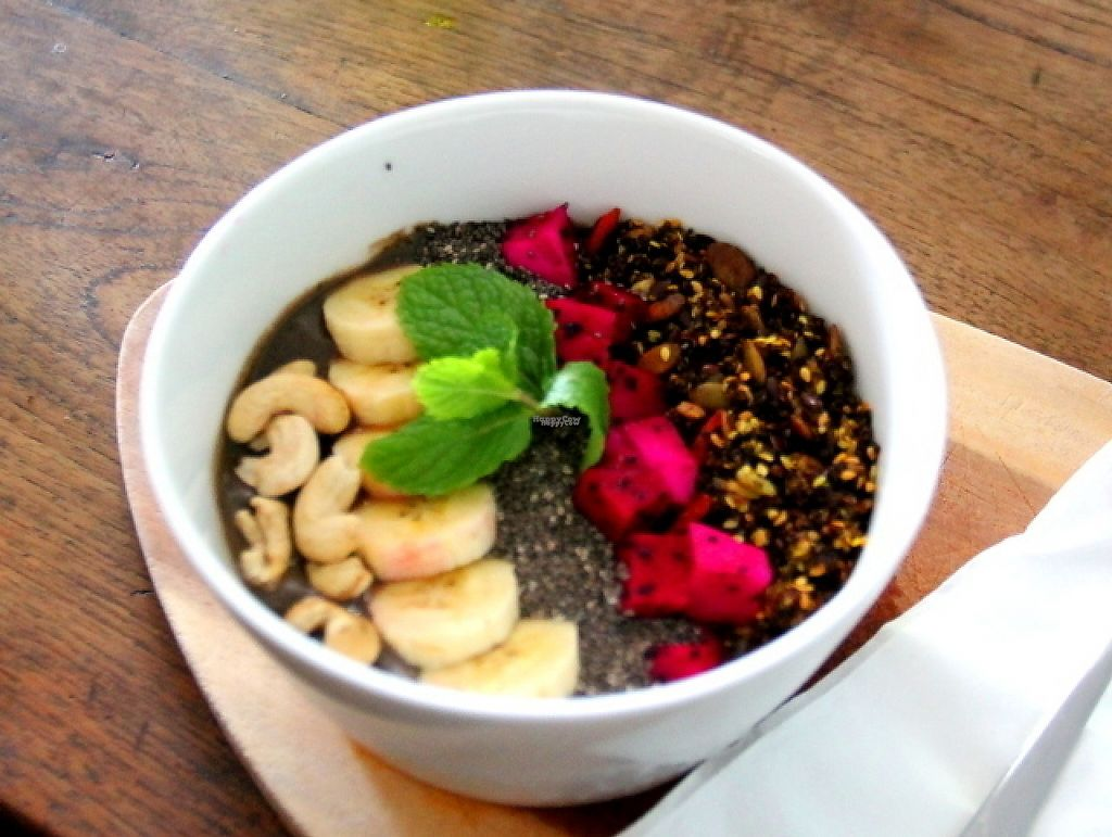 """Photo of Motion Cafe  by <a href=""""/members/profile/reissausta%20ja%20ruokaa"""">reissausta ja ruokaa</a> <br/>Smoothie bowl.  <br/> November 24, 2016  - <a href='/contact/abuse/image/63427/193922'>Report</a>"""