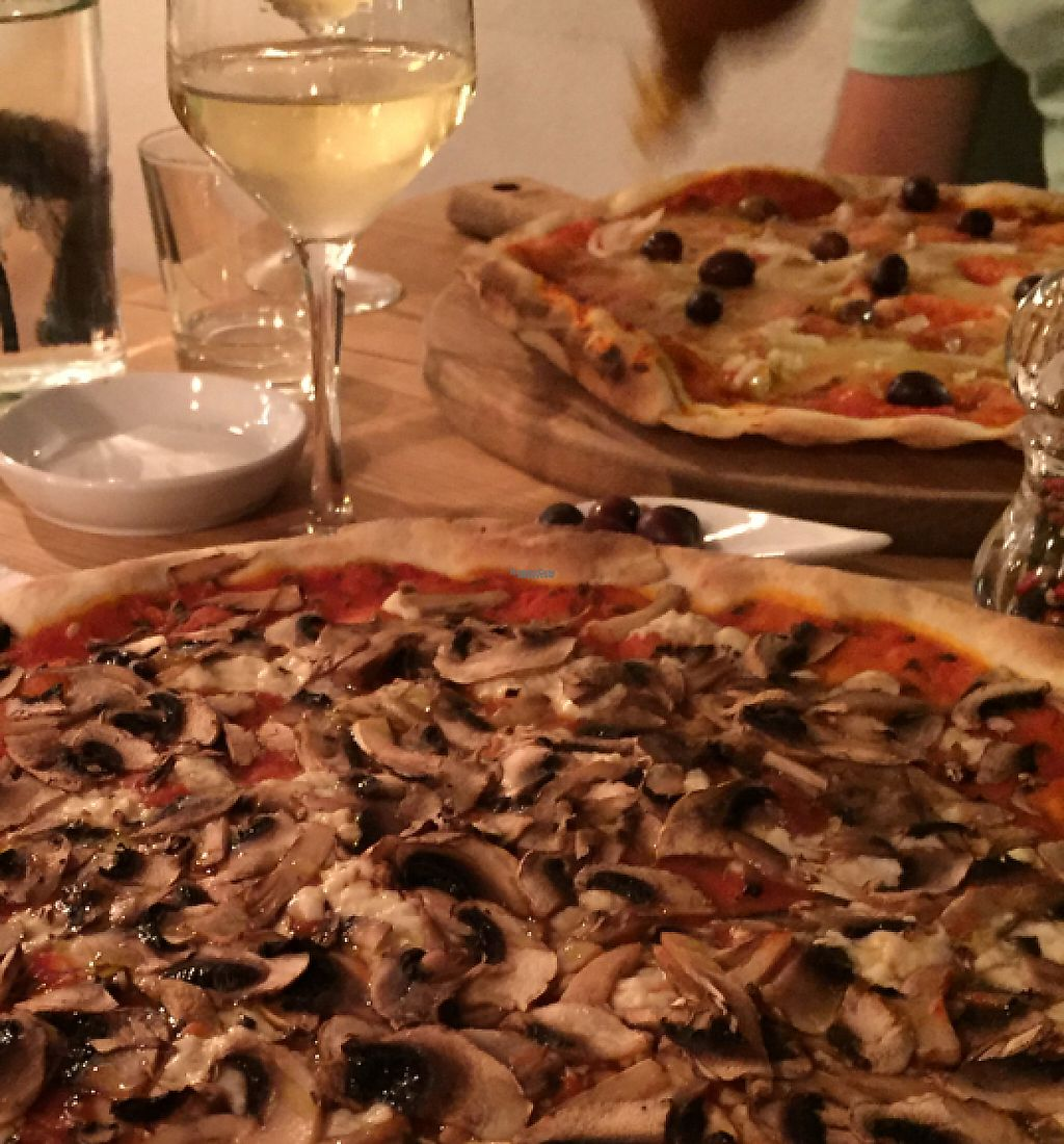 "Photo of In Bocca al Lupo  by <a href=""/members/profile/DonnaC"">DonnaC</a> <br/>vegan pizza <br/> September 11, 2016  - <a href='/contact/abuse/image/63477/241270'>Report</a>"
