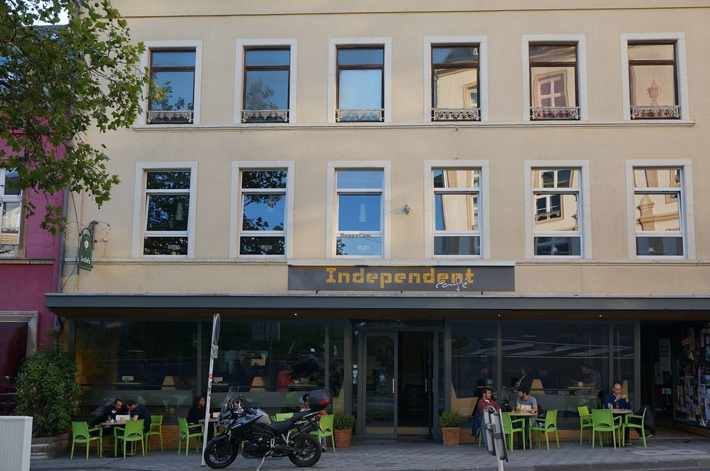 "Photo of Independent Cafe  by <a href=""/members/profile/Ricardo"">Ricardo</a> <br/>Exterior View <br/> September 18, 2015  - <a href='/contact/abuse/image/63540/118146'>Report</a>"