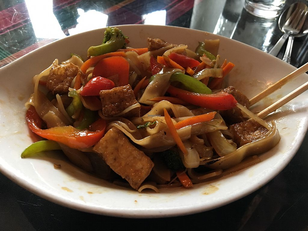 """Photo of Keo's Kitchen  by <a href=""""/members/profile/justin909"""">justin909</a> <br/>vegan pad saew with crispy tofu <br/> June 29, 2017  - <a href='/contact/abuse/image/6363/274589'>Report</a>"""