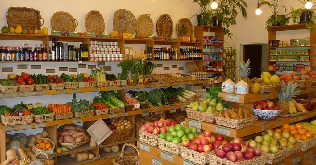 """Photo of Green Onions Organic Grocer  by <a href=""""/members/profile/community"""">community</a> <br/>Inside Green Onions Organic Grocer <br/> October 3, 2015  - <a href='/contact/abuse/image/63667/120069'>Report</a>"""