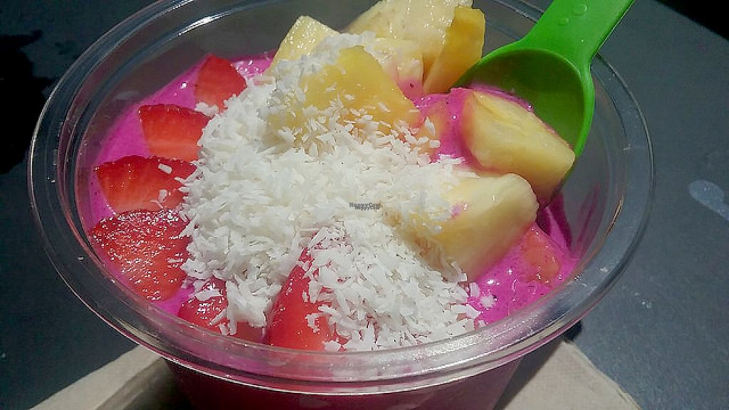 """Photo of The Bowl - Pine Ridge Rd  by <a href=""""/members/profile/mshelene"""">mshelene</a> <br/>The """"Islamorada"""" pitaya bowl (dragonfruit) <br/> April 5, 2017  - <a href='/contact/abuse/image/63743/245058'>Report</a>"""