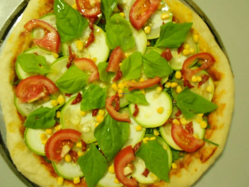 """Photo of Sopa de Folhas  by <a href=""""/members/profile/community"""">community</a> <br/>vegan pizza  <br/> October 3, 2015  - <a href='/contact/abuse/image/63843/120062'>Report</a>"""