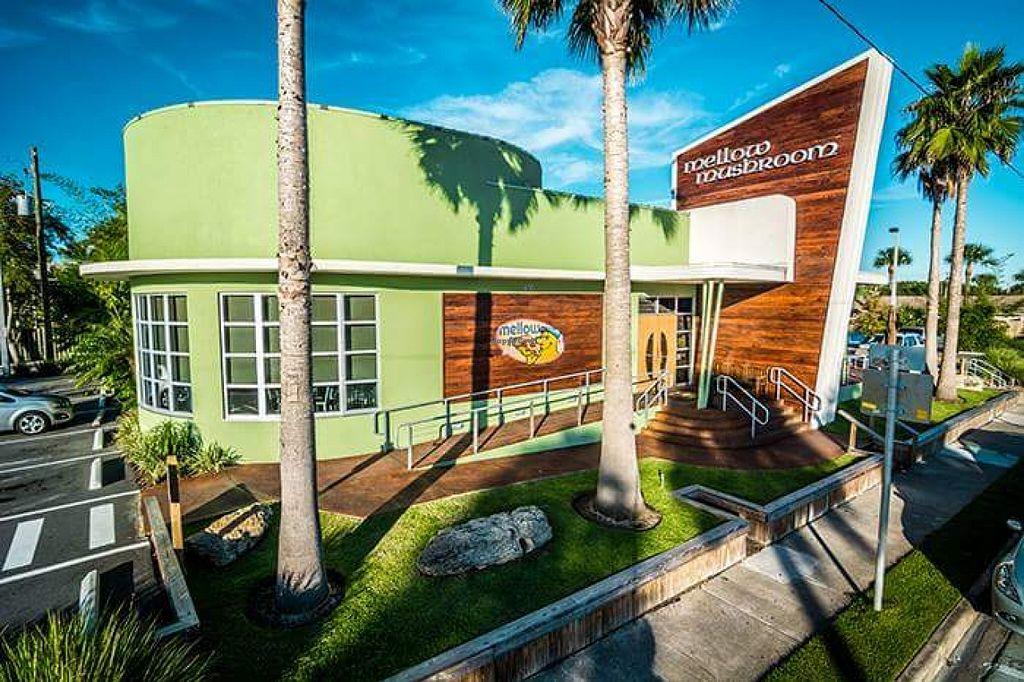 """Photo of Mellow Mushroom  by <a href=""""/members/profile/beachdoxies"""">beachdoxies</a> <br/>Mellow Mushroom exterior <br/> September 26, 2015  - <a href='/contact/abuse/image/63901/119202'>Report</a>"""