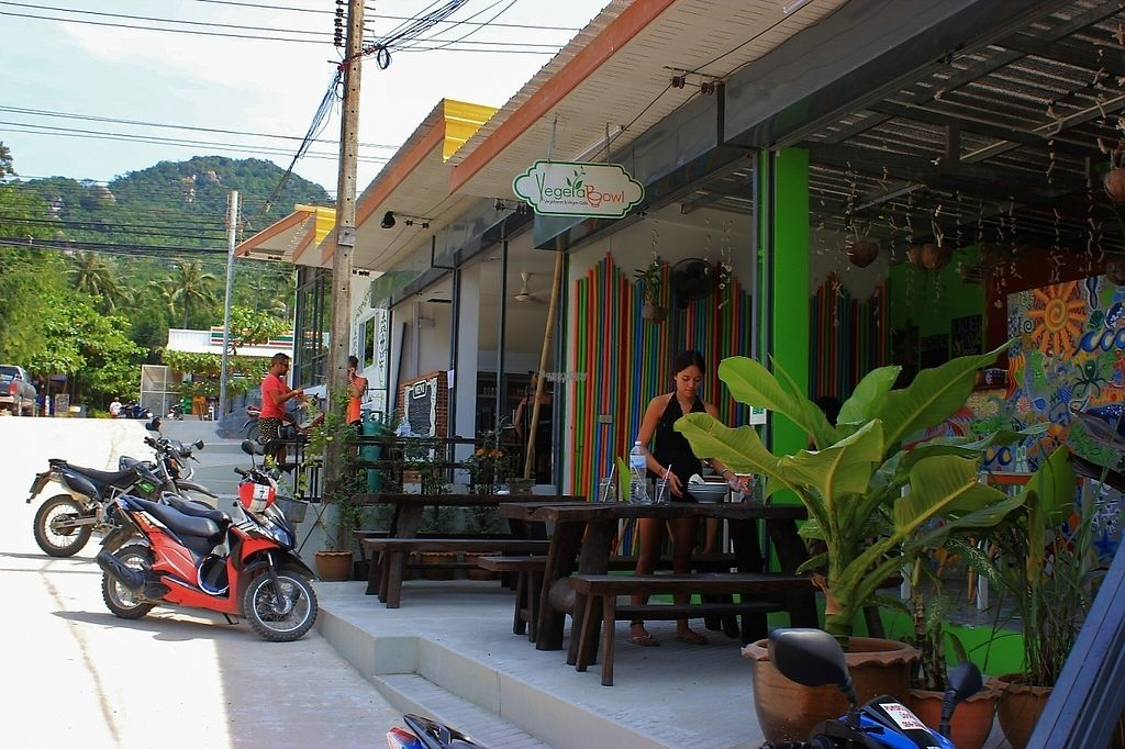 """Photo of VegetaBowl  by <a href=""""/members/profile/poweredbytofu"""">poweredbytofu</a> <br/>Storefront...easy to find between Main Rd and Beach Road into Sairee... turn at the 7/11.   <br/> February 15, 2017  - <a href='/contact/abuse/image/64003/226600'>Report</a>"""