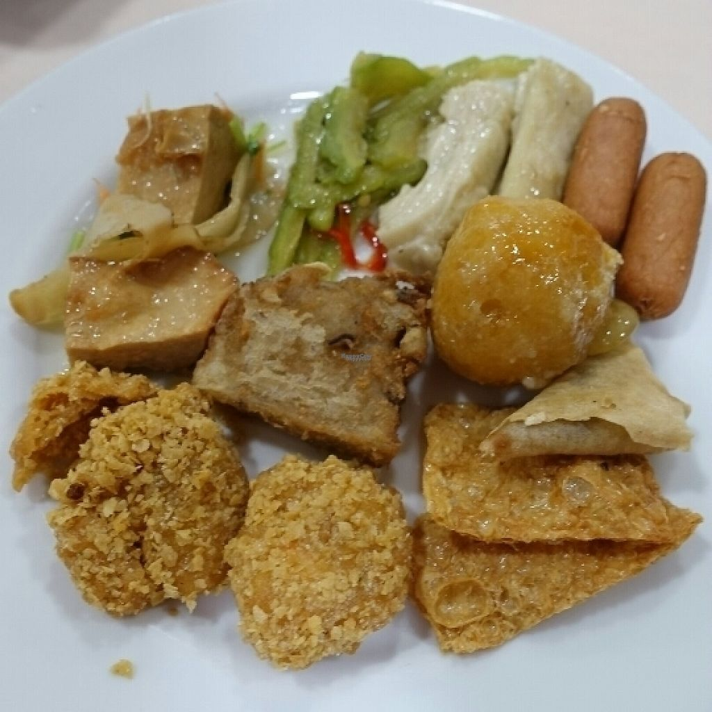 "Photo of Supreme Vege  by <a href=""/members/profile/JimmySeah"">JimmySeah</a> <br/>assortment of crispy items and mock chicken <br/> January 16, 2017  - <a href='/contact/abuse/image/64052/212486'>Report</a>"
