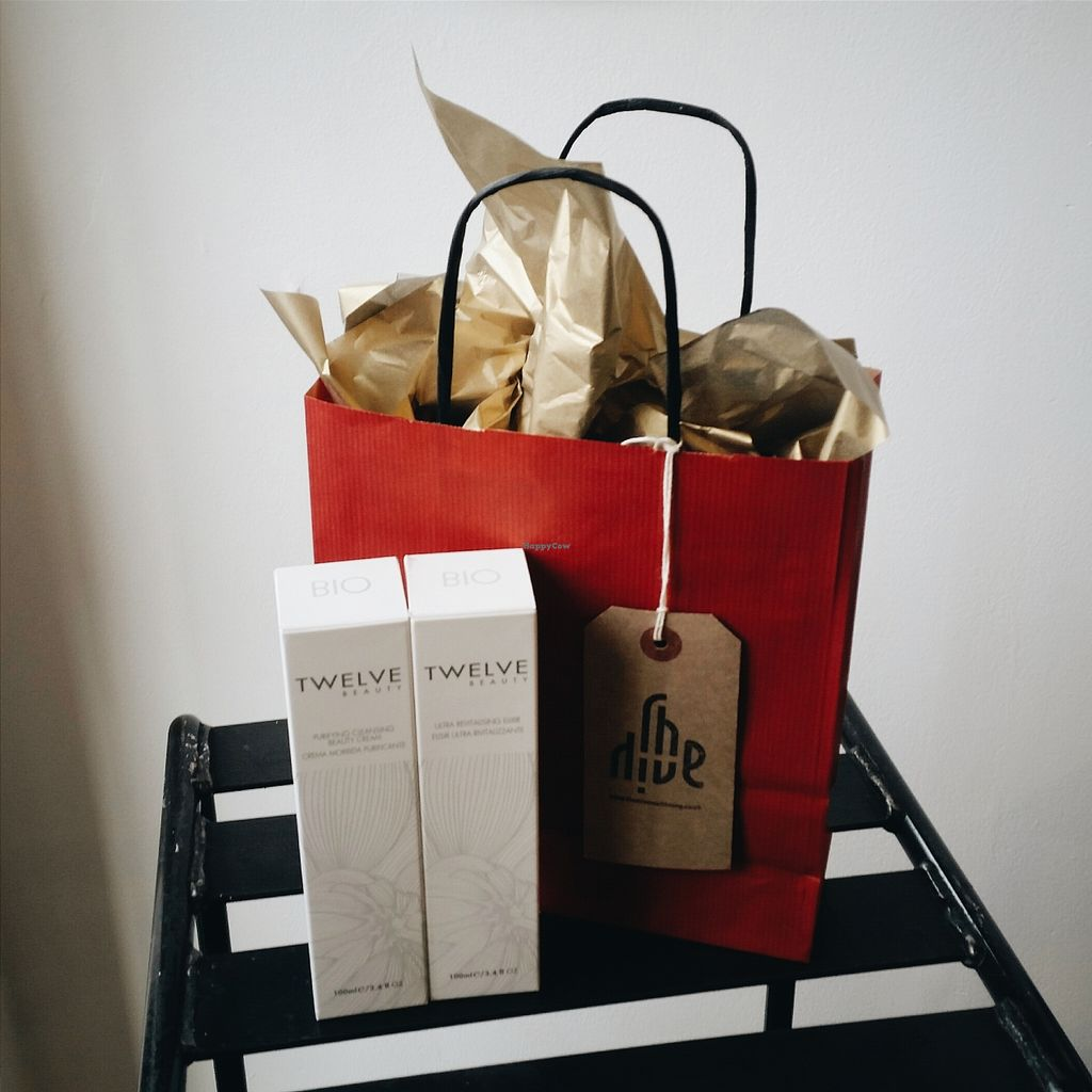 "Photo of CLOSED: The Hive Skincare  by <a href=""/members/profile/r0chy"">r0chy</a> <br/>Twelve high performance skincare. Perfect for my mum <br/> January 5, 2016  - <a href='/contact/abuse/image/64086/131141'>Report</a>"